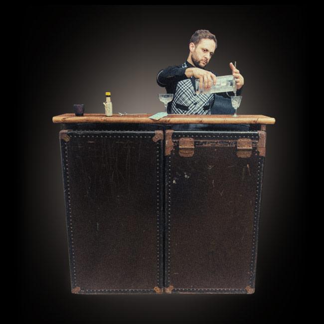 Mobile cocktail bar and bartender hire - Mobile bar vintage ...