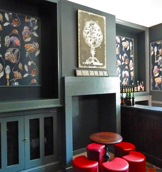 English bar Portland House